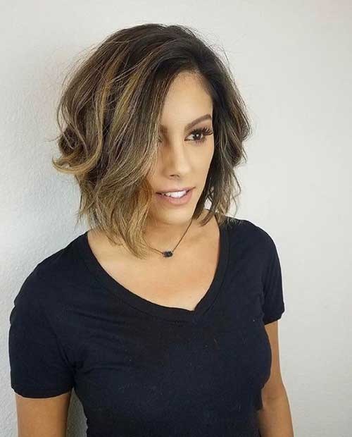 Textured-Bob-Cut Chic and Eye-Catching Bob Hairstyles