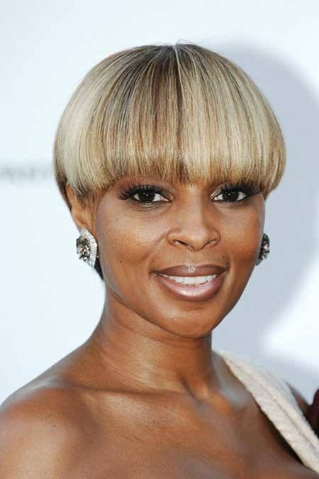 The-Classic-Bob-Hairstyle-With-Awesome-Bangs Nice Short Hairstyles for Black Women
