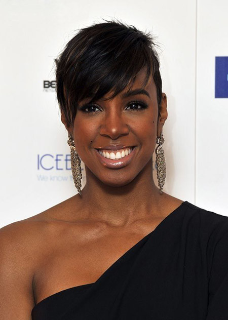 The-Cool-Pixie-Hairstyle-with-Auburn-Brown-Highlight Nice Short Hairstyles for Black Women