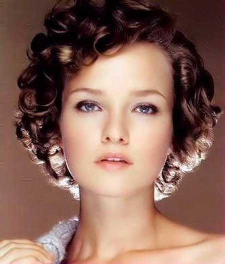 1950s-short-curly-hair Short Trendy Curly Haircuts