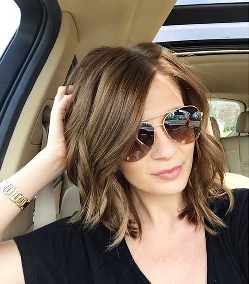 Brunette-Medium-Bob-Haircut Best Must-Try Brunette Bob Haircuts
