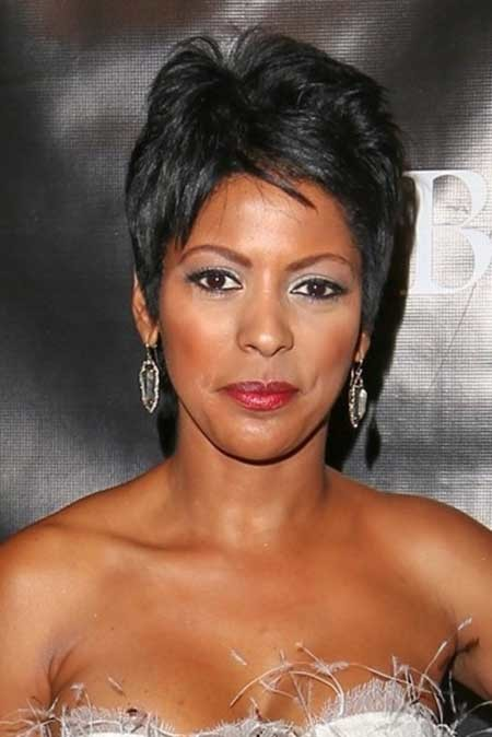 Cool-and-Lovely-Pixie-Cut-with-Nice-Bangs-and-Top-Section The best short haircuts for black women