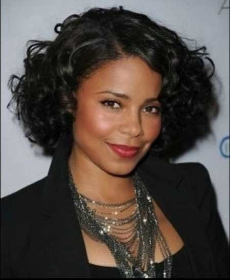 Cute-and-Charming-Wavy-Bob-Hair The best short haircuts for black women