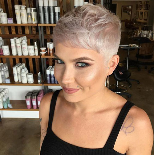 Fade-Haircut-for-Women Best Pixie Cuts for Blonde Hair