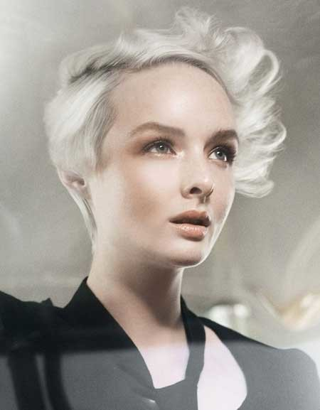 Gorgeous-and-Charming-Wind-swept-Pixie-Cut-with-Gray-Hue Hair Color for Short Hair 2019