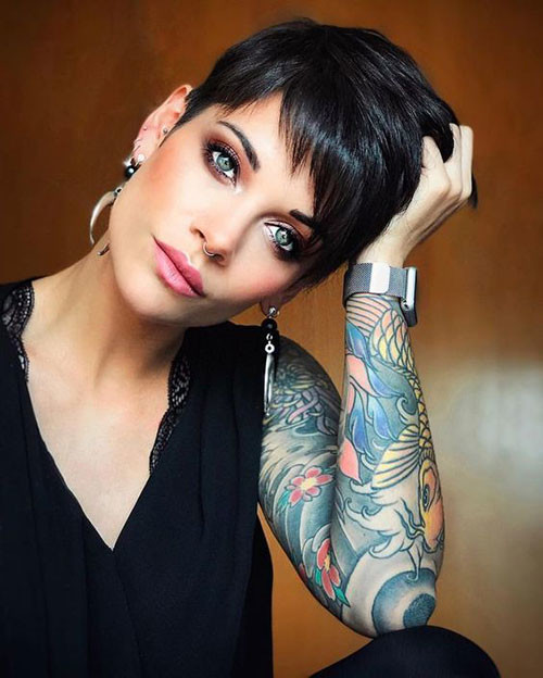 Hot-Black-Pixie-Hair Sweet and Sexy Pixie Hairstyles for Women