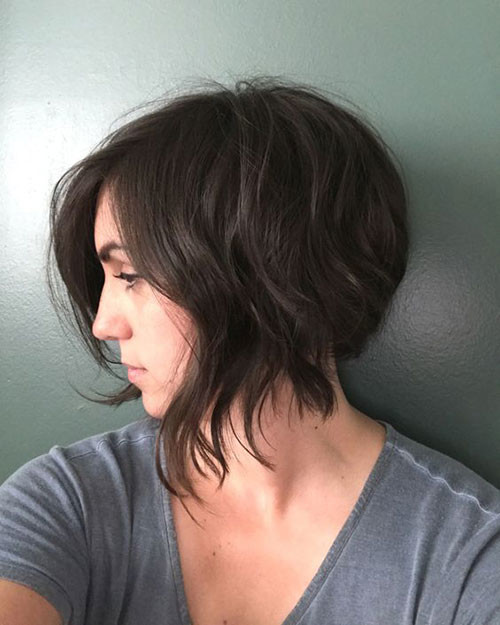 Inverted-Bob-Razor-Cut Short Brown Hairstyles for Fashionable Women