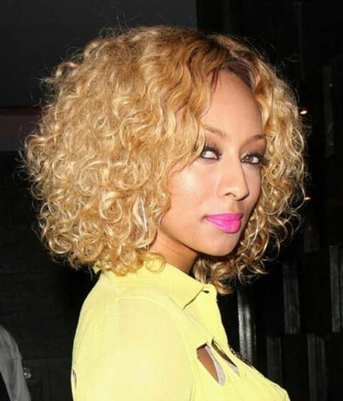 Keri-Hilson-Blonde-Natural-Curly-Bob-Hairstyle Keri Hilson Blonde Bob Hairstyles