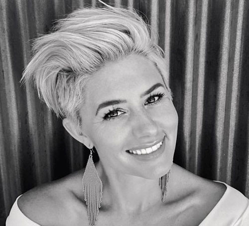 Long-Top-Pixie Elegant Short Haircuts for Thick Hair