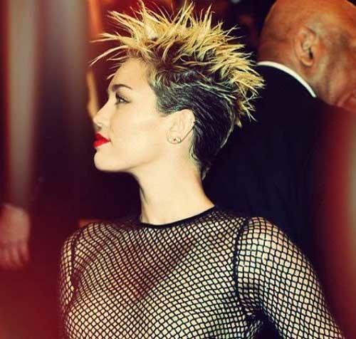 Miley-Cyrus-short-blonde-hair-2019 Celebrity Women with Short Hair