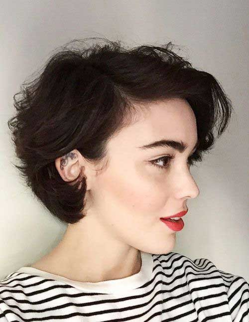 Pixie-Bob-for-Curly-Hair Curly Bob Hairstyles for Chic Women