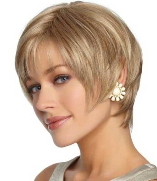 Short-Ash-Blonde-Layered-Hair Womens Short Hairstyles for Thin Hair