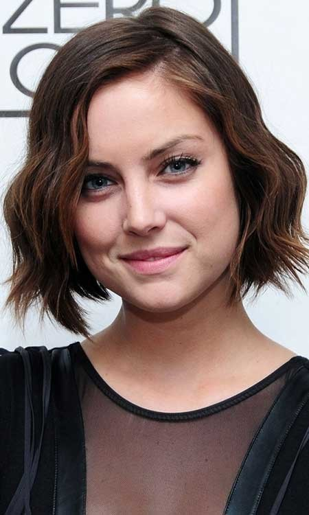 Short-Bob-Cut-with-Waves The Best Wavy Hairstyles for Short Hair