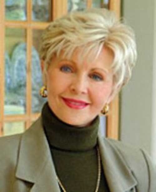 Short-Casual-Straight-Hair-Style-for-Over-50 Short Hair Styles for Over 50