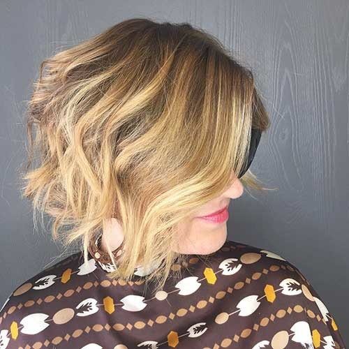 Short-Curly-Hairstyle-for-Women-2017 Most Magnetizing Hairstyles for Curly and Wavy Hair