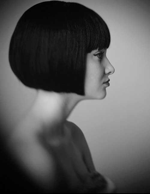 Short-Cut-with-Dark-Straight-Hair-and-Bangs Nice Short Straight Hairstyles with Bangs