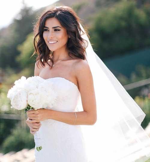 Short-Hair-Wedding-Hairstyle-with-Veil Best Short Hairstyles for Wedding You Should See