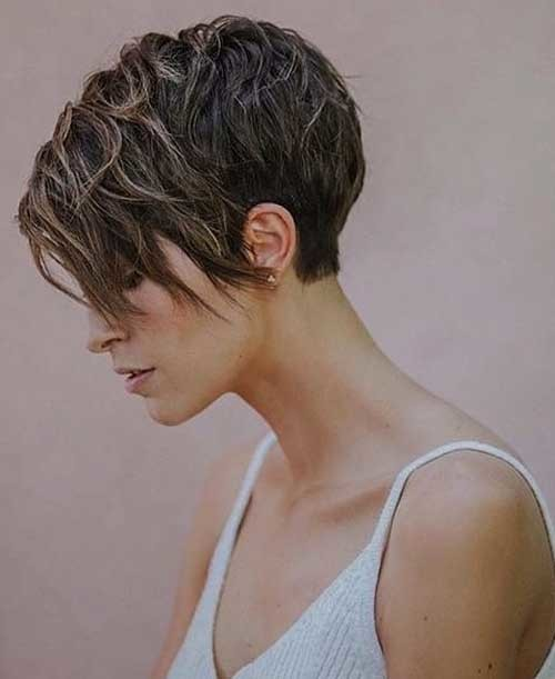 Short-Layered-Hair-3 Best Hairstyle Ideas for Short Hair