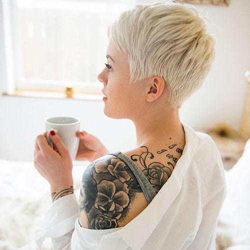 Short-Pixie-Cut Best Pixie Cuts for Blonde Hair