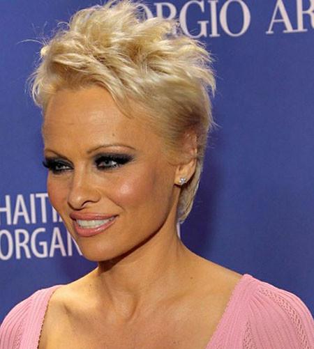Short-Rebellious-Blonde-Hairstyle Best Celebrity Short Hairstyles