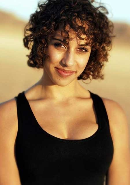 Short-Trendy-Curly-Haircuts-9 Short Trendy Curly Haircuts