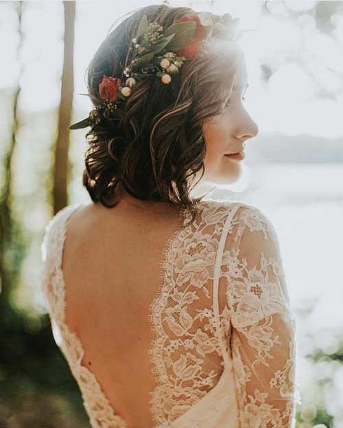 Short-Wedding-Hair-with-Flowers-2019 Best Short Hairstyles for Wedding You Should See