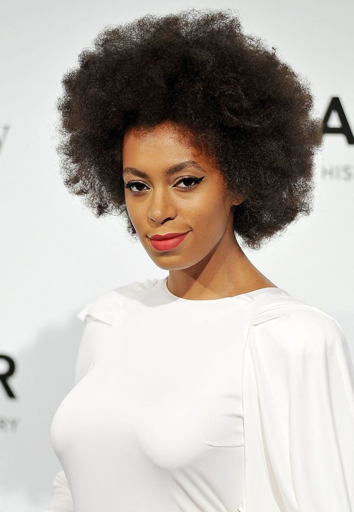 Stretched-Afro Easy Natural Hairstyles for Black Women