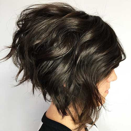 Textured-Inverted-Bob Trending Style for Summer: Curly and Wavy Hairstyles