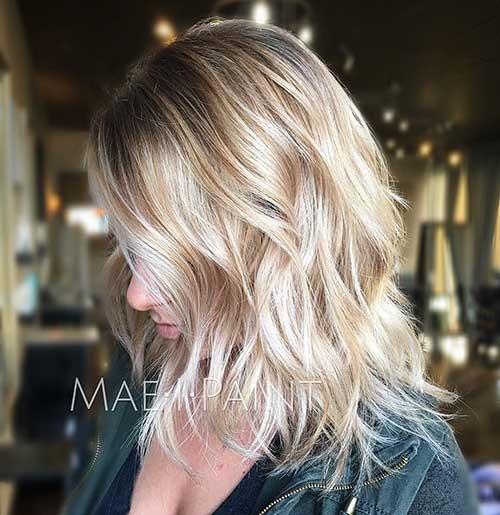 Textured-Lob Striking Short Hair Ideas for Blondies