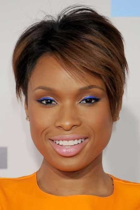 The-Edgy-and-Attractive-Pixie-Cut-with-Cool-Brown-Highlights The best short haircuts for black women