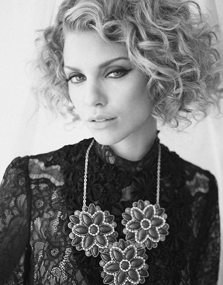 The-Lovely-and-alluring-Curly-Bob-Cut Cuts for Short Curly Hair