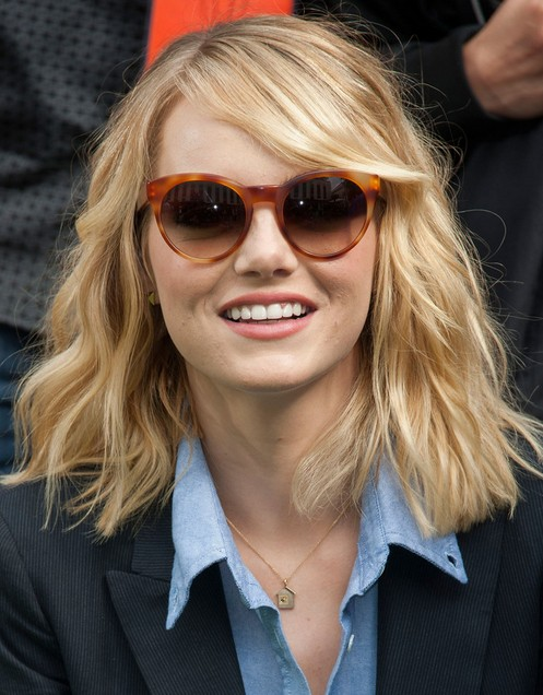 2014-Emma-Stone-Hairstyles-–-Blunt-Layered-Hairstyles-for-Medium-Hair Top 100 Celebrity Hairstyles 2019