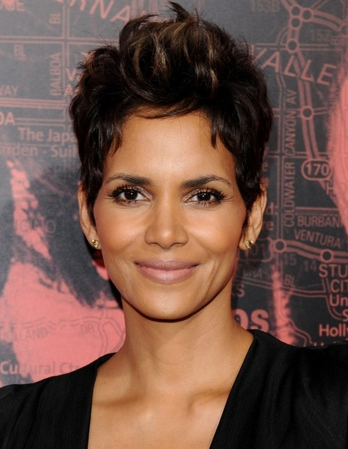 2014-Halle-Berry-Hairstyles-Short-Pixie-Haircut Top 100 Celebrity Hairstyles 2019