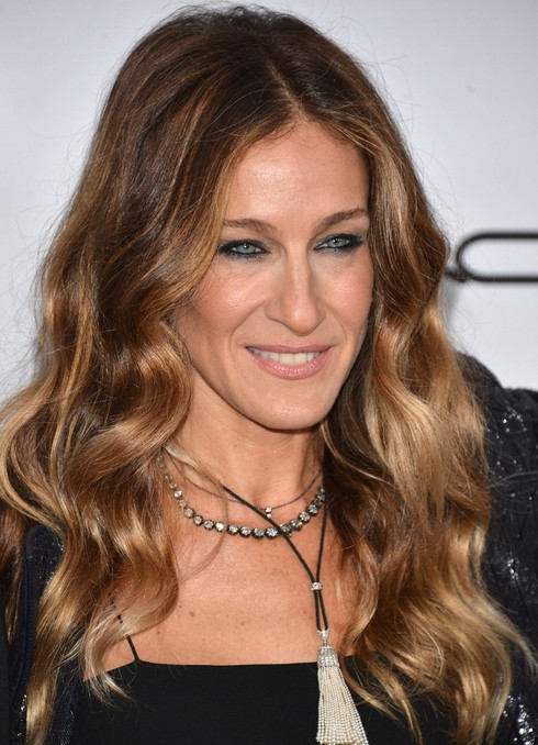 2014-Sarah-Jessica-Parker-Hairstyles-Center-Part-Hairstyle-for-Long-Waves Top 100 Celebrity Hairstyles 2019