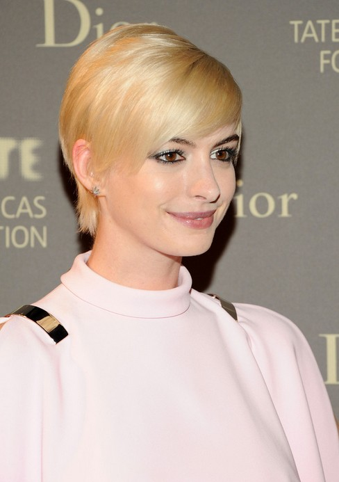 Anne-Hathaway-Short-Pixie-Cut-with-Side-Swept-Bangs-for-Women Popular Short Hairstyles for Women 2019
