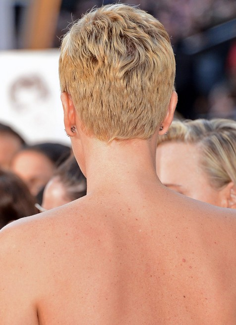 Back-View-of-Charlize-Theron-Pixie-Cut Popular Short Hairstyles for Women 2019