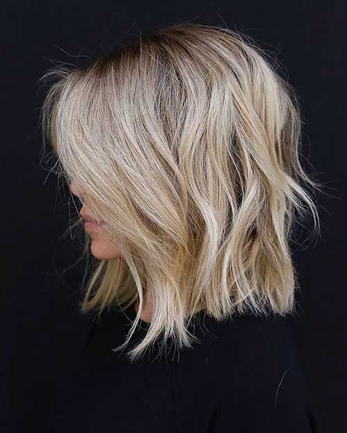 Beige-Blonde Wavy Short Hair Styles for Chic Ladies