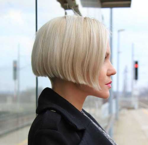 Blunt-Bob-Haircut Modern Short Blonde Hairstyles for Ladies