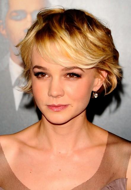 Carey-Mulligan-Layered-Short-Bob-Haircut-with-Messy-Bangs Popular Short Hairstyles for Women 2019