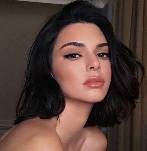 Classy-Short-To-Medium-Hair Kendall Jenner Short Hair Pics