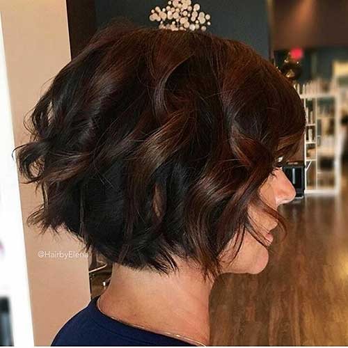 Curled-Bob-Hair Alluring Short Curly Hair Ideas for Summertime