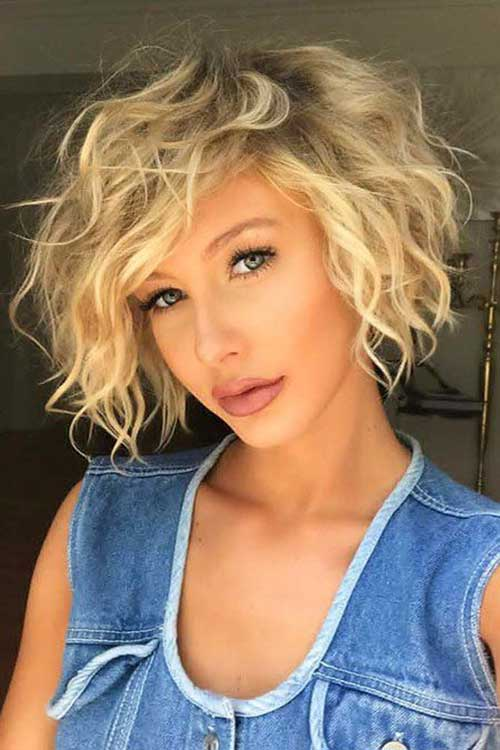 Curly-Wavy-Bob-with-Side-Bangs Wavy Short Hair Styles for Chic Ladies
