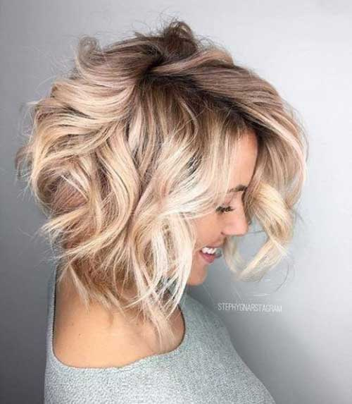Curly-Wavy-Hairstyle Wavy Short Hair Styles for Chic Ladies