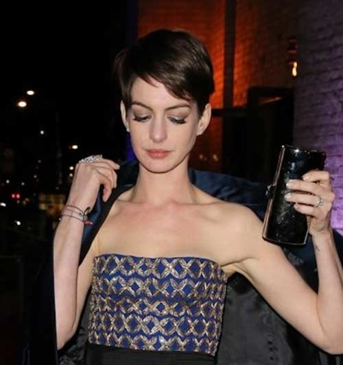 Gorgeous-Side-Swept-Short-Inverted-Pixie-Haircut Best Pixie Haircuts