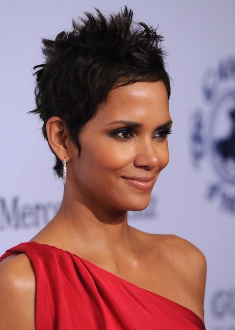 Halle-Berry-Short-Pixie-Cut-for-Black-Women Popular Short Hairstyles for Women 2019