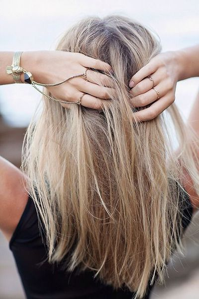 Highlighted-Medium-Straight-Haircut Fantastic Easy Medium Haircuts 2019 – Shoulder Length Hairstyles
