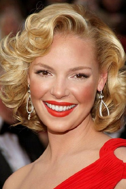 Katherine-Heigl-Short-Blonde-Curly-Hairstyles-for-Wedding-Homecoming Popular Short Hairstyles for Women 2019