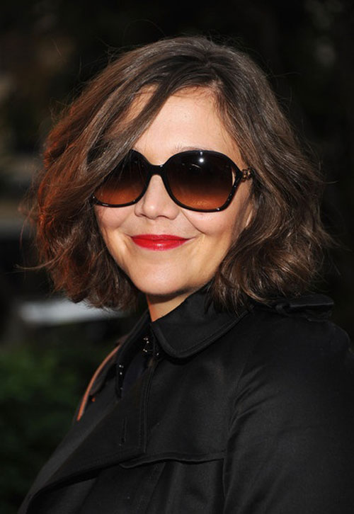 Maggie-Gyllenhaal-short-wavy-haircut Hairstyles for Short Wavy Hair