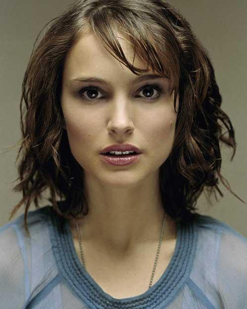 Natalie-Portman's-Short-Hairstyle-and-Bangs Short Wavy Hairstyles With Bangs
