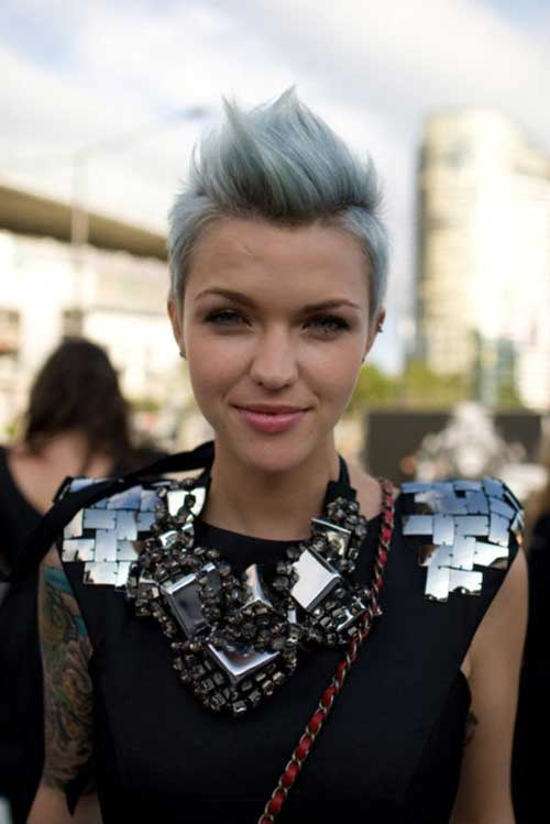 Punk-Short-Mohawk-Hair-Grey-Color Best Punky Short Haircuts